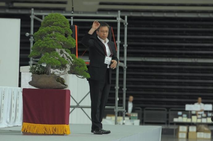 国歌斉唱 指揮者 小林先生