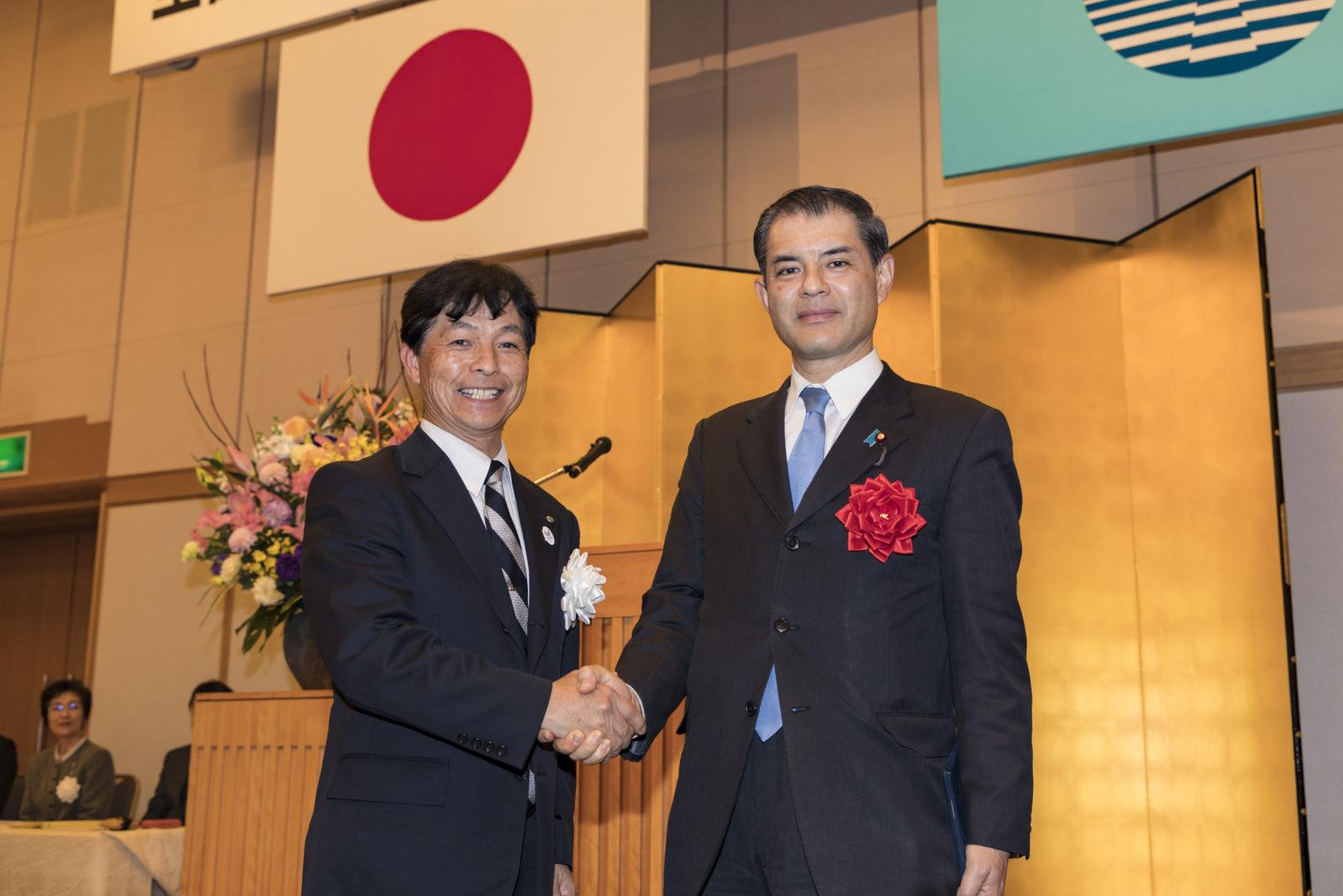 柴山文部科学大臣と杉江会長