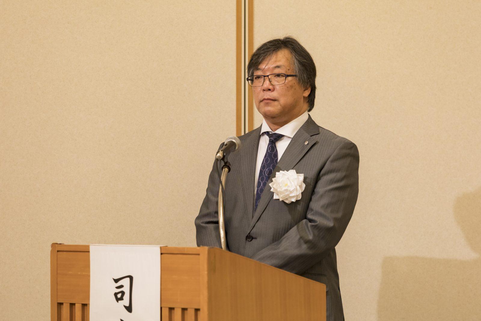 記念講演 司会 安村副会長